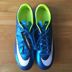 NWT Nike Meecurial Veloce Soccer Cleats (women's)